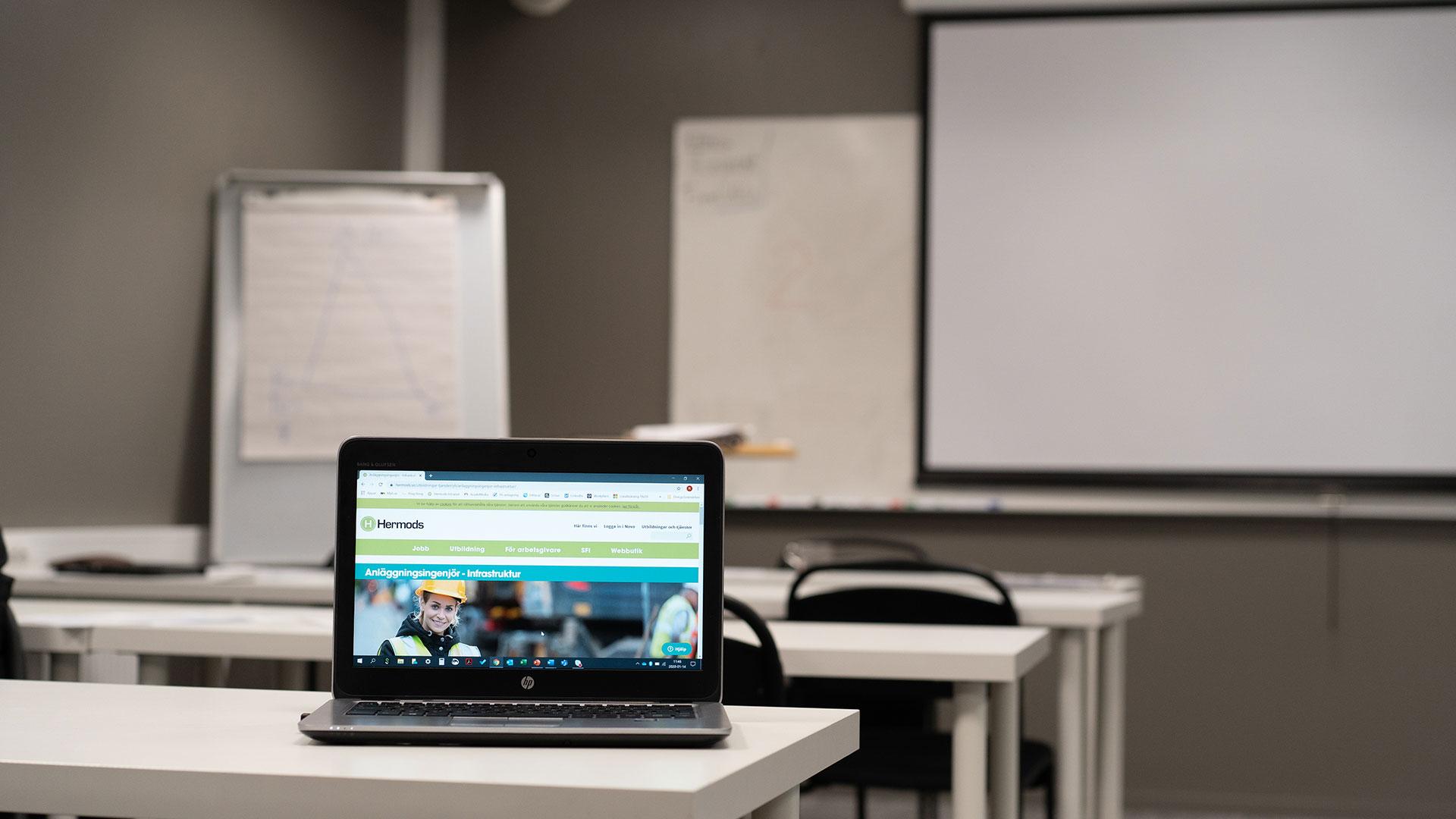 Studera i klassrum eller på distans