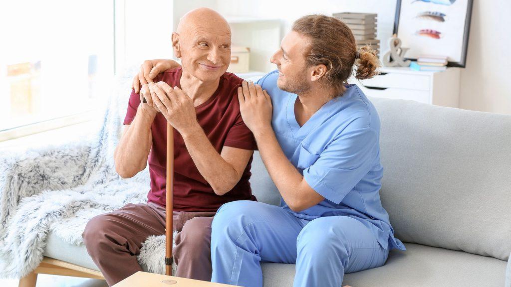 Kurs i grundläggande arbetssätt inom äldreomsorg